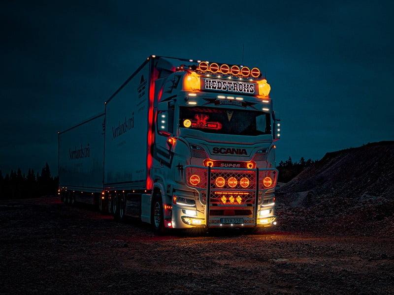 LED verlichting voor 24 volt gebruik - pas toe in uw vrachtwagen, aanhanger, camper en meer en maak een mooi verlicht voertuig